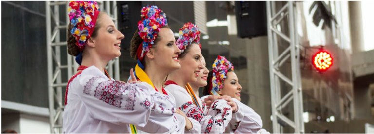 Danças típicas na Festa da Embaixada