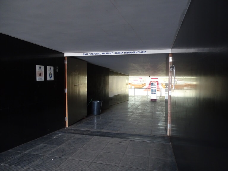 Um caminho para o céu - Catedral Metropolitana de Brasília